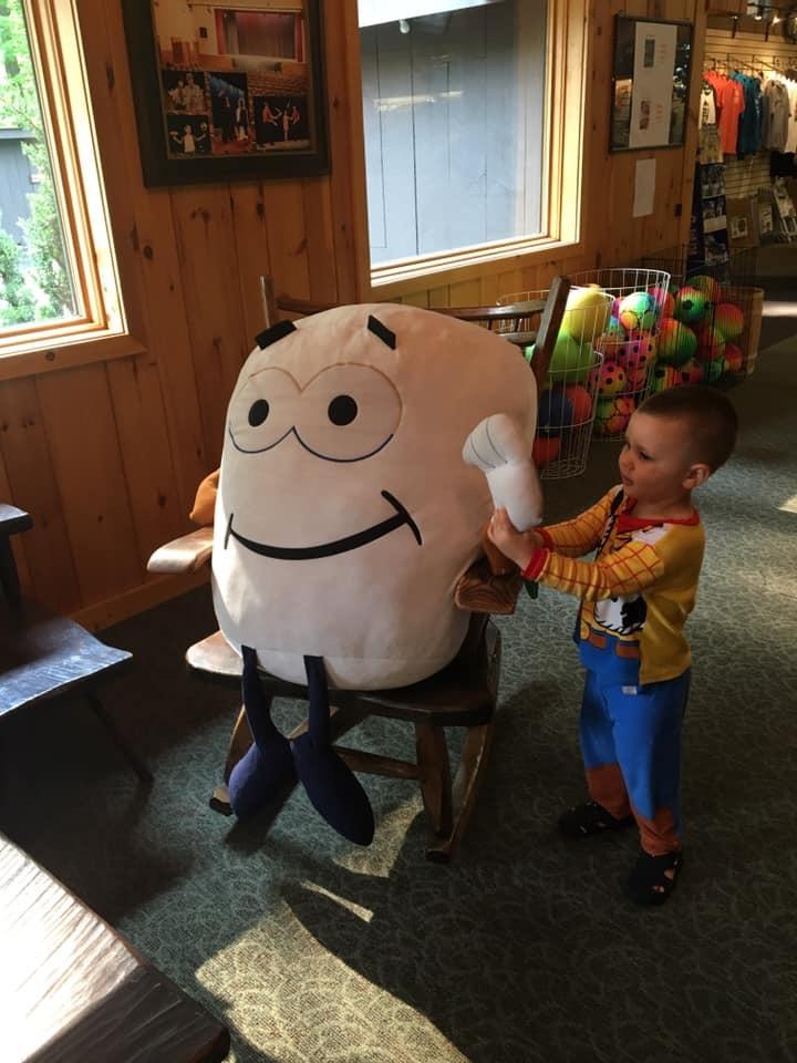 Luke meets Toasty!