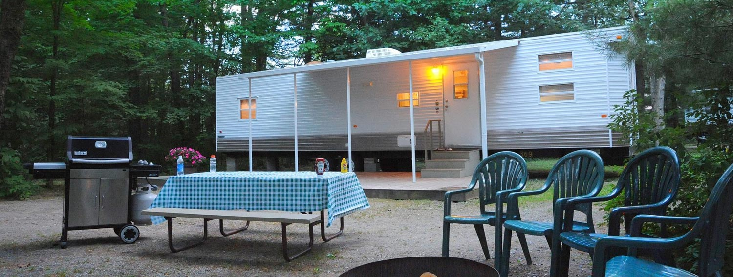 Luxury On Site RV Rentals with picnic table